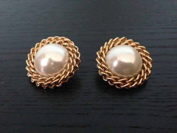 1970s Pearl Earrings/ Faux Pearl Earrings/ Statement Earrings on Etsy, $20.00