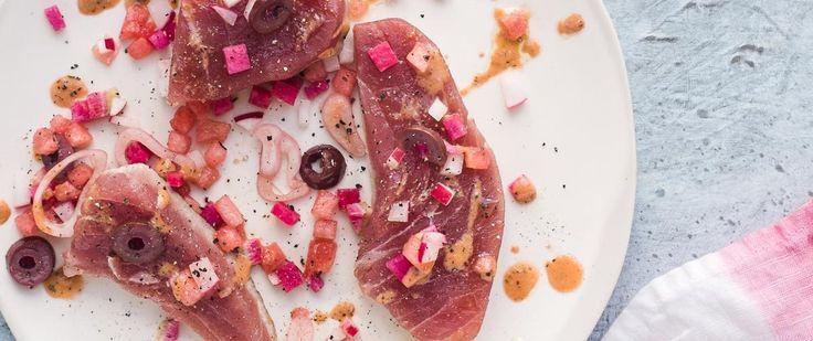 Thon mi-cuit, radis et vinaigrette aux framboises