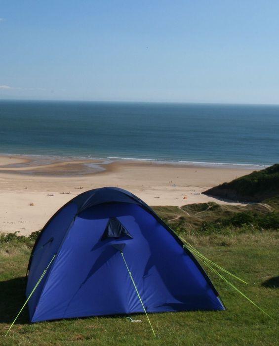 website met cool campings Three-cliffs-bay-caravan-park-original-small