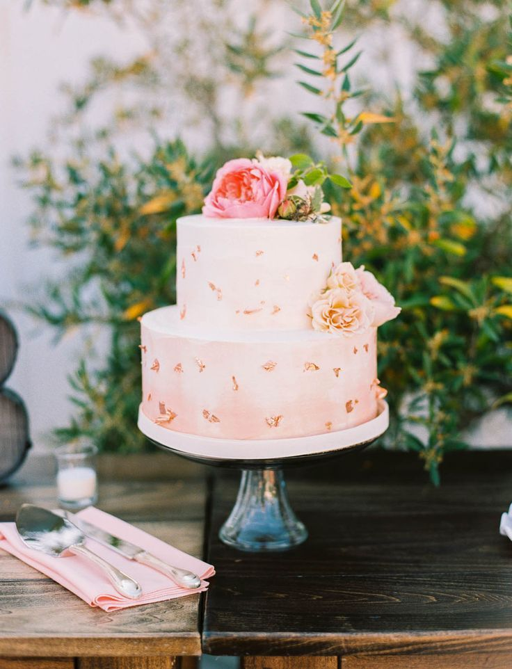 wedding cakes in lagunbeach ca%0A pink wedding cake