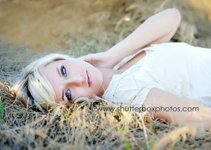 Laying down pose: Pictures Ideas, Photo Ideas, Photo Inspiration, Senior Pictures Poses, Senior Photography, Portraits Photography, Senior Girls, Senior Inspiration, Photography Ideas
