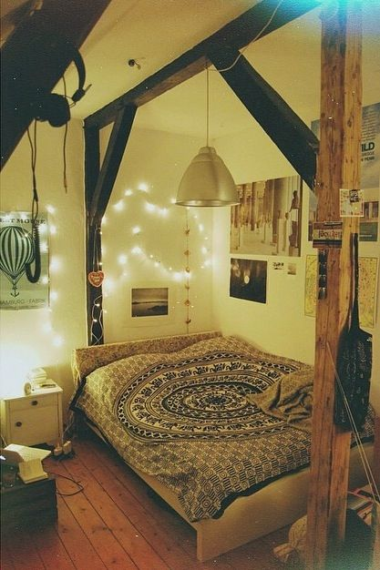 I would love wooden pillars in my room! Deffo getting fairy lights & a duvet like this