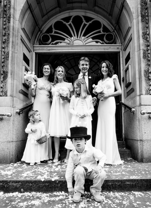 confetti on the steps - www.beckiehoodphotography.co.uk