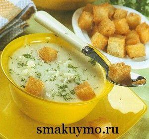 Суп-пюре из цветной капусты и картофеля с гренками