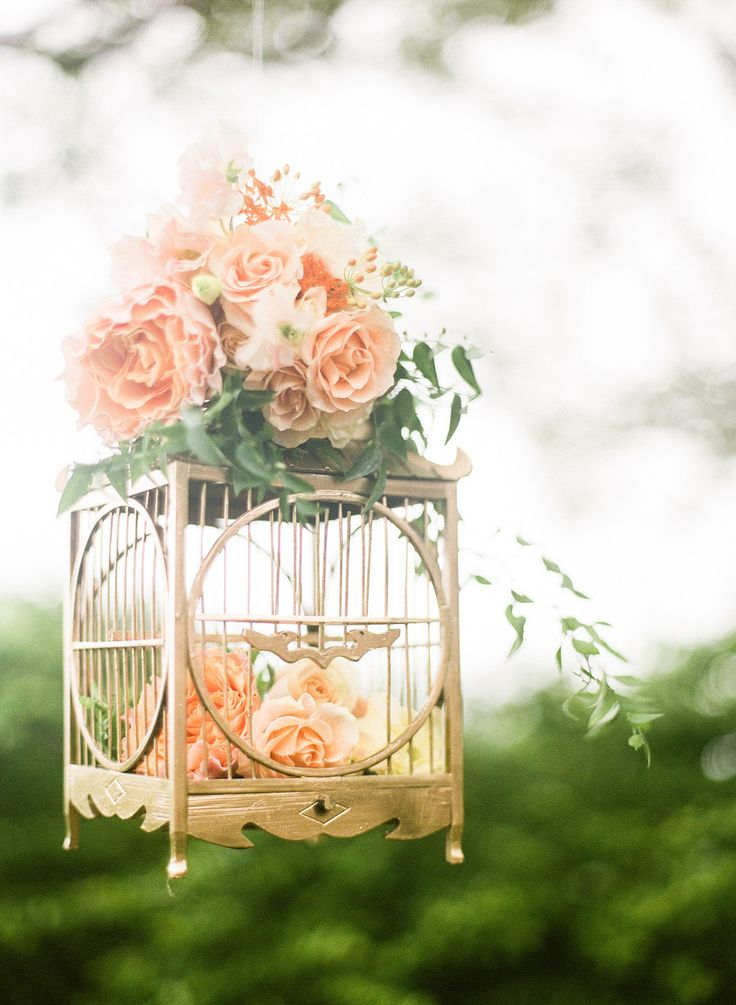Pretty birdcage wedding florals  (Photography: Jada Poon Photography - jadapoonphotography.com)