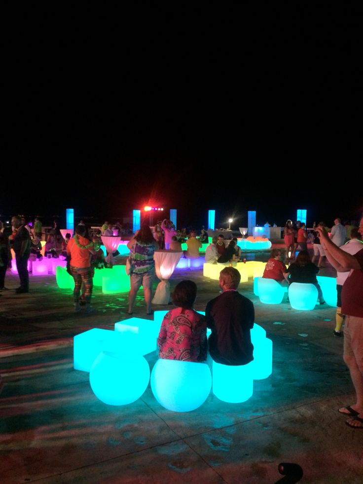Scentsy trips www.goodbyecandles.com glow in the dark scentsy party