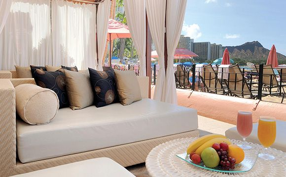 Private Ocean Front Cabana Dining