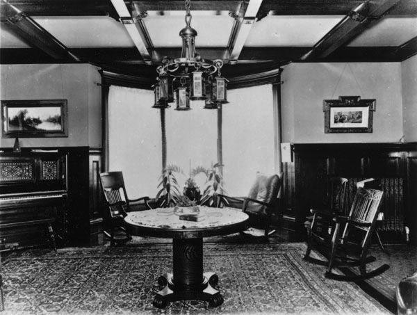 Home of Howard W. Darling circa 1910 http://www.wichitaphotos.org/graphics/wschm_3755.E.Douglas ...