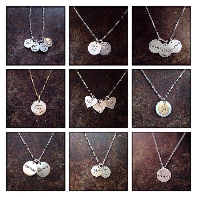 Håndlagde navnesmykker og bokstavsmykker i sølv og gull