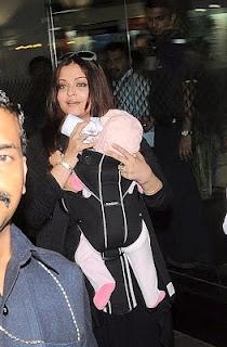 Aishwarya Rai Bachchan and Aradhya Bachchan Latest Photos at Mumbai Airport. | Bollywood Cleavage