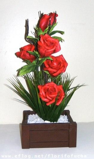 flores de EVA                                                       …                                                                                                                                                                                 Mais