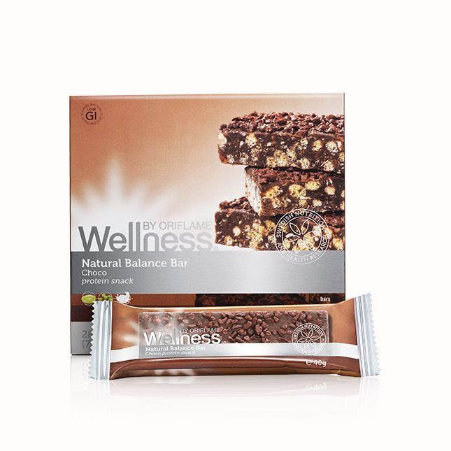 Natural Balance Bar -patukka sisältää useita proteiinien lähteitä ja viljoja. Ei sisällä geneettisesti manipuloitua (GMO) soijaa. 40  g. Välipalapatukka suklaapaloilla #oriflame