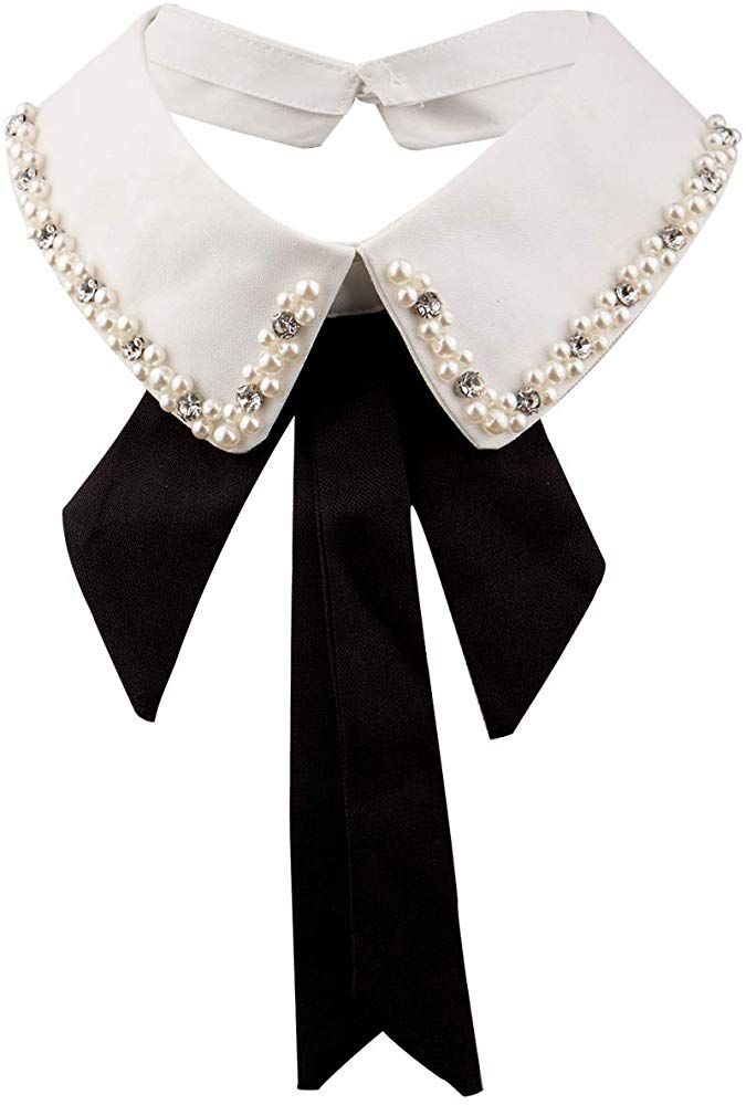 Collar ras-de-neck cords and black tie