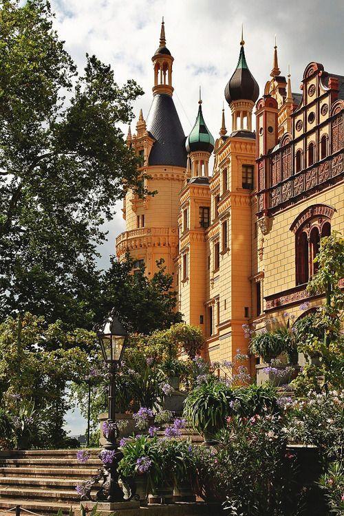 Schweriner Palace (Mecklenburg-Vorpommern) Germany ~ Repinned by www.gorara.com
