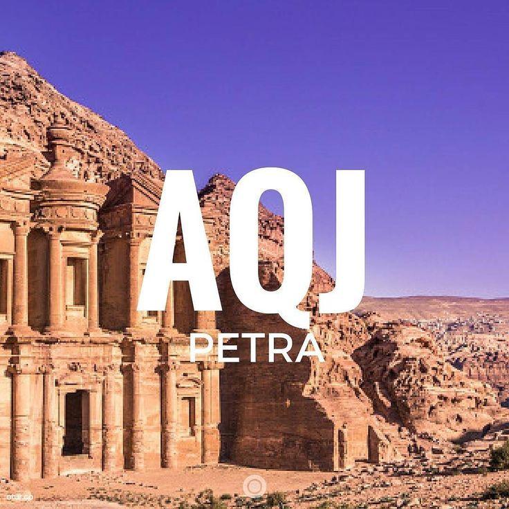 Предложение неожиданных путешествий есть урок танцев преподанных Богом.  Курт Воннегут. Колыбель для кошки  #иордания #мертвоеморе #петра #акаба #амман #вадирам
