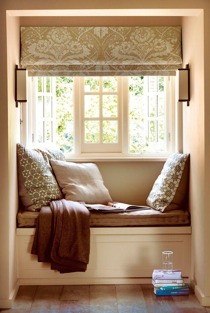 Más cómodo  Unos cojines en el respaldo y una colchoneta de 5cm de grosor hacen el banco más confortable.