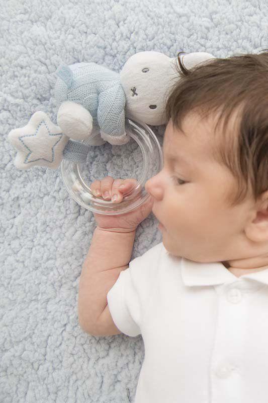 TIAMO Chratící plyšový zajíček kroužek modrý | Kašpárek Baby