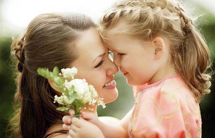 En el mes de Mayo celebramos el DÍA DE LAS MADRES pero recuerda todos los días son días de las madres. Nuestra madre es…