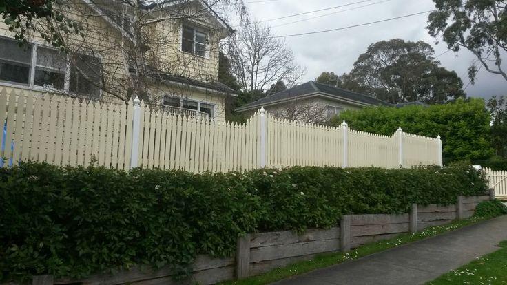 Windsor picket fence