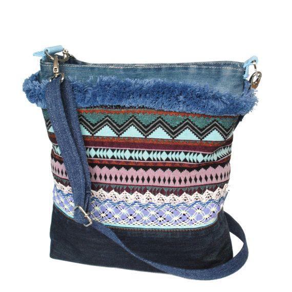 Aztec schoudertas in blauw met gerecyclede jeans, stoffen handtas one of a kind, handgemaakte tas boho stijl, tas etnische stijl, cadeau