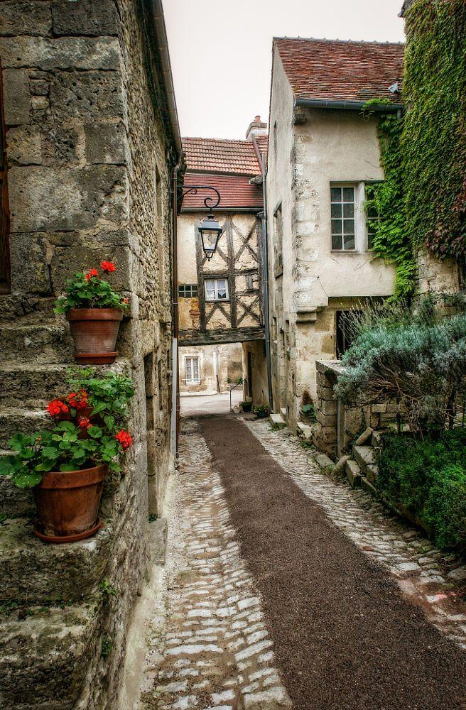 Flavigny-sur-Ozerain is a very pretty village in Burgundy.France