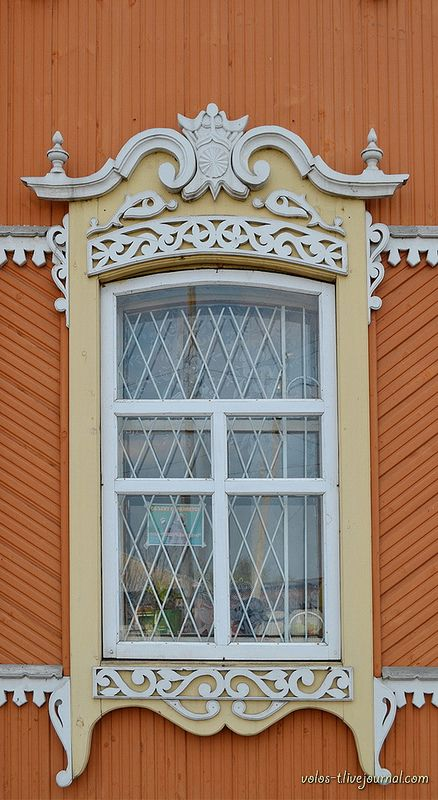 decorative carved wood window frame, kuzbass, russia | architectural details #nalichniki