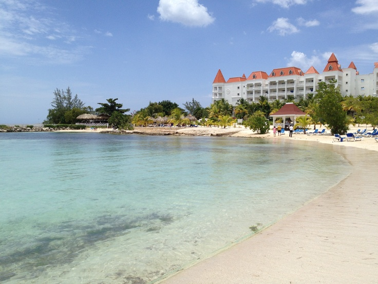 Best 25 runaway bay jamaica ideas on pinterest cheap for Cheap vacation destinations in december