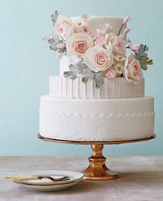 Modern Romance Wedding Cakes: Philip Ficks / TheKnot.com