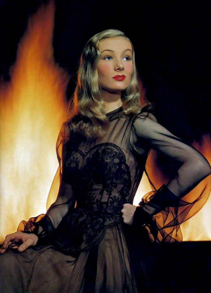 1922-11-14 Veronica Lake born Constance Frances Marie Ockelman in Brooklyn died 1973-07-07 age 50 from Hepatitus