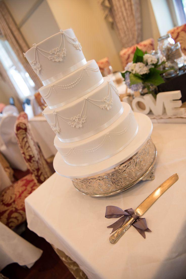 Helena & Paul's wedding cake