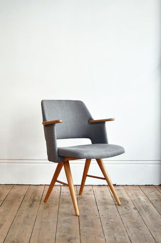 PASTOE DESK CHAIR . via The Cools
