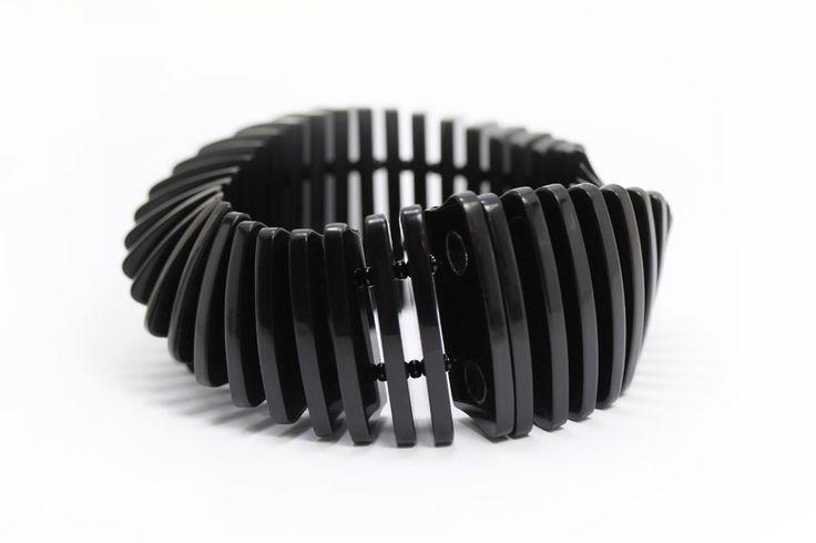 http://www.eriktidang.se/wp-content/uploads/2016/10/armband-plexiglas-modell3-erik-tidang.jpg