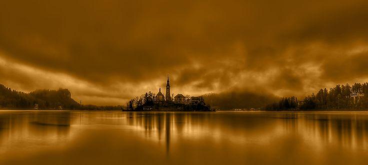 BLED foggy by Yusuf Gurel on 500px