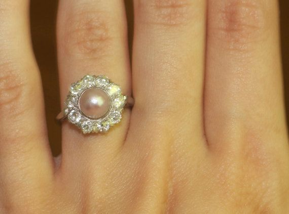 Love the pearl and halo.