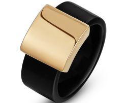 Luxusný prsteň s čiernym plastovým telom