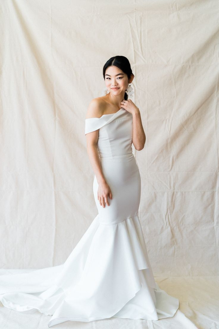 The Bridal Trend For 2019 Is You E M Anderson Photography Wedding Dress Types Wedding Dress Styles Minimalist Wedding Dresses [ 1104 x 736 Pixel ]