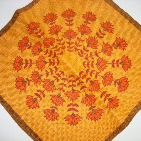 Swedish retro napkin. #retro #napkin #retronapkin #retroserviet #retrotekstil SOLGT/SOLD on www.TRENDYenser.com.