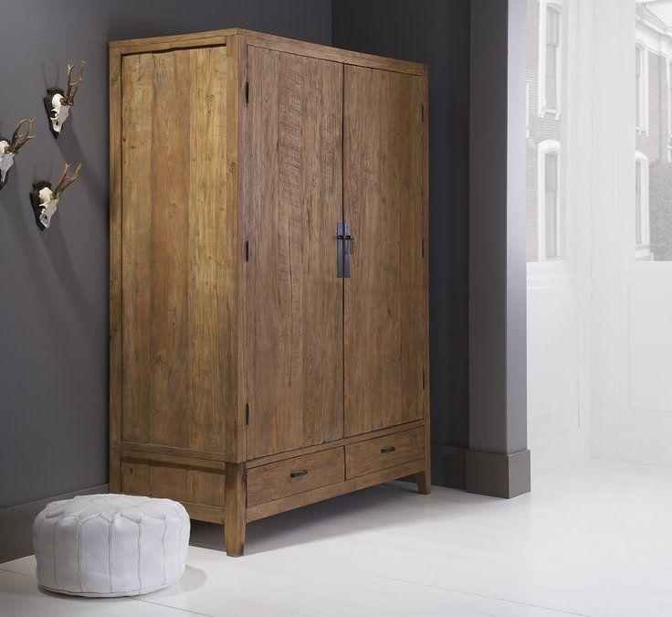 Breng je huis tot leven met de teakhouten opbergkast Nouveau. Door gebruik te maken van oud, hergebruikt driftwood, heeft Nouveau een warme, doorleefde uitstraling #Goossens wonen & slapen #woonstijl #landelijk