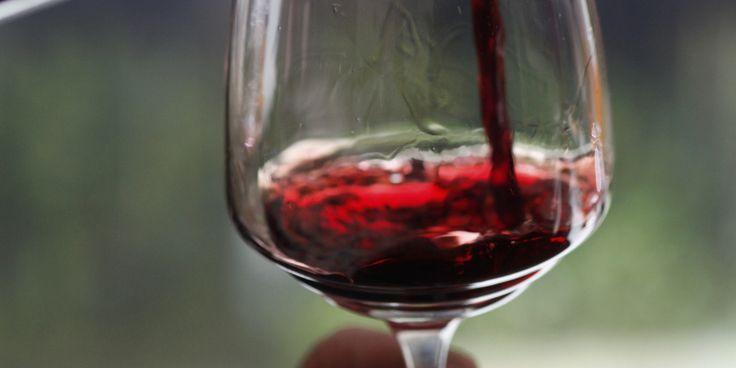 """NEW⚡ Пищевой глицерин  📢Применение глицерина в производстве домашних алкогольных напитков позволяет винокуру решить, так сказать, сразу три задачи:   ❗убрать излишнюю горечь напитка, например переуглеванность сортировки при изготовлении Водки или Хлебной Слезы  ❗получить известную мягкость напитка, округлость послевкусия  ❗любителям """"ножек"""" на стенках бокала (дорогие сорта коньяка, виски) очень нравится, что при применеии даже малых доз глицерина напиток создает причудливые """"узоры"""" на…"""