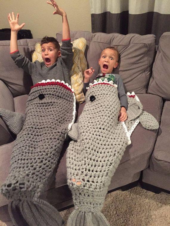 Shark Blanket; Crochet shark blanket; shark; Shark cocoon; Shark afghan; mermaid tail blanket - 65-90.