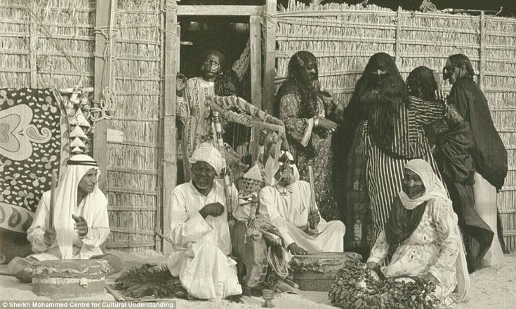 Dubai was once a land of Bedouin tribes who made a living by fishing and pearl searching. Bedouin fishermen and pearl divers in the city mainly lived in huts made from palm-fronds