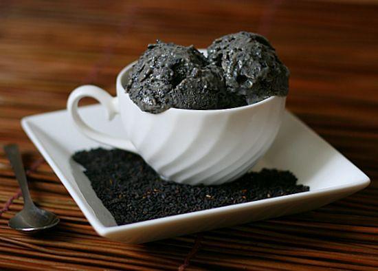 Black Sesame Ice Cream: recipe for black sesame ice cream