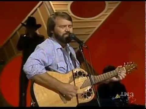 "Glen Campbell Sings ""Gentle on My Mind"" w/alternate guitar solo - YouTube"