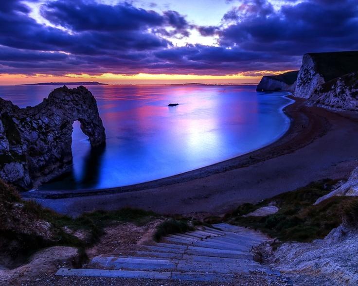 Watching the sun rise/set #holidayheaven  Durdle Door, Dorset