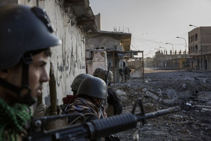Iraqi special forces soldiers cleared the last pockets held by the Islamic State in Mosul Jidideh. Credit Ivor Prickett for The New York Times