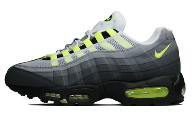 Nike Air Max 95 OG - at some point when totally unexpected, @jenwen613 is going to surprise me with a pair of these