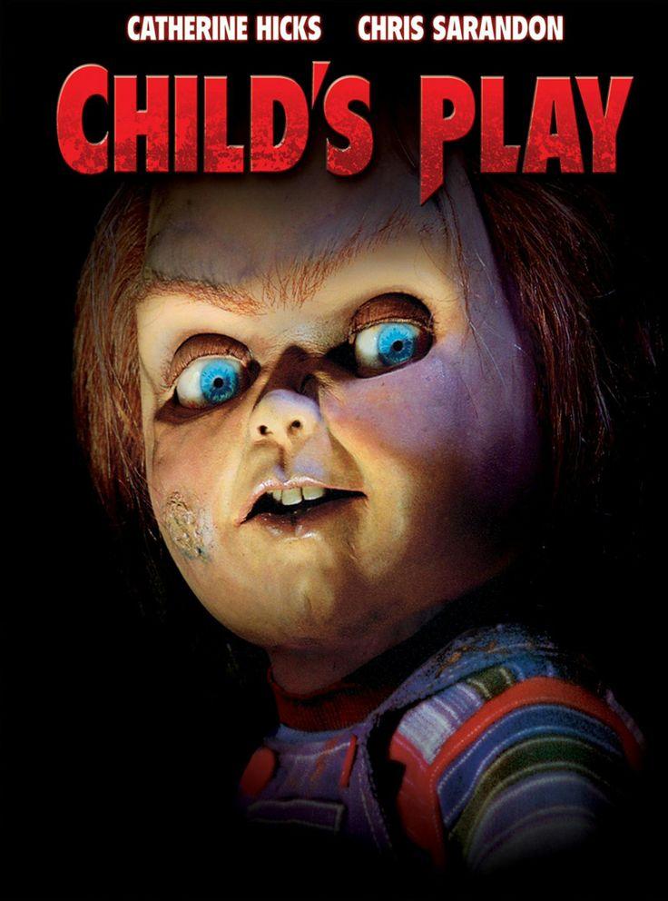 Child's Play / Η Κούκλα του Σατανά (1988). Στο «Childs' Play» ένας serial killer διεισδύει μέσω ξορκιών στο σώμα μιας κούκλας και εξαπολύει την εκδίκησή του εναντίον πρώην συνεργατών και όχι μόνο. Παράλληλα επιδιώκει να μπει στο σώμα του πιτσιρικά που κατέχει την συγκεκριμένη κούκλα ώστε να ξανακερδίσει την ανθρώπινη υπόσταση.