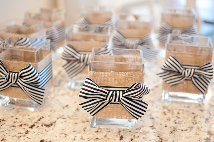 diy Wedding Crafts: Nautical Burlap Glass Vases - http://www.diyweddingsmag.com/diy-wedding-crafts-nautical-burlap-glass-vases/
