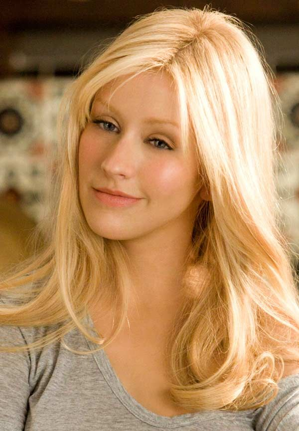 Christina Aguilera in this movie was the most gorgeous I had seen her in a while... Don't know why she isn't like this more.