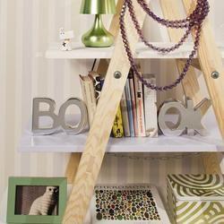 Zrób to sam: regał na książki z drabiny. Super pomysł na meble!